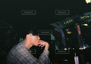 ゲームセンターで一服の写真・画像素材[1390954]
