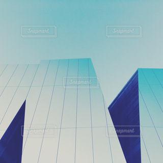 青と白の凧の写真・画像素材[878070]