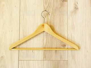 木製ハンガーの写真・画像素材[979279]