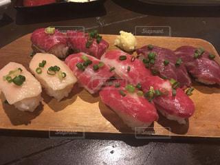 馬肉寿司の写真・画像素材[878852]