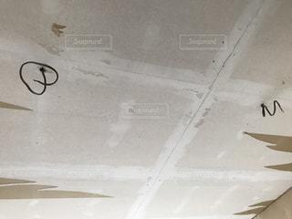 ボロくなった天井の写真・画像素材[861710]