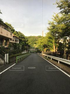 狭い道の写真・画像素材[868619]