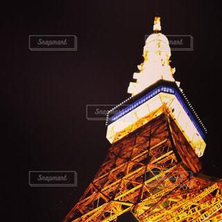 クロック タワーは夜ライトアップの写真・画像素材[862774]