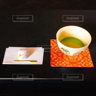 和菓子と抹茶の写真・画像素材[1376527]