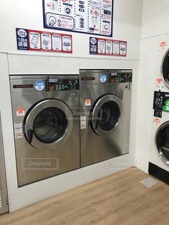 コインランドリーでお洗濯!の写真・画像素材[2442543]
