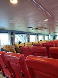 伊江島旅行フェリー船内の写真・画像素材[4746061]
