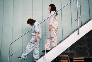 階段を降りますの写真・画像素材[866498]