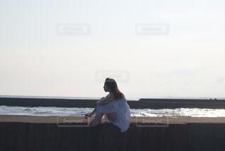 海岸で休憩の写真・画像素材[866512]