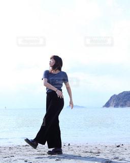 砂浜で踊るイザドラダンカンの写真・画像素材[868291]