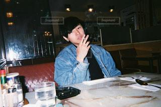 煙草を吸う人の写真・画像素材[874286]