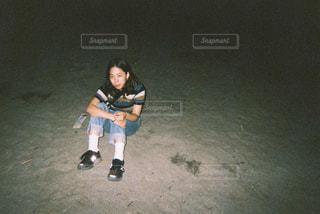 夜の浜辺での写真・画像素材[2054684]