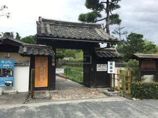 愛媛県にある天赦園の正面入り口の写真・画像素材[867216]