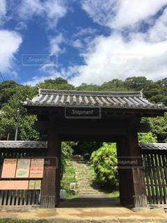 愛媛県にある宇和島城の門(縦)の写真・画像素材[867275]