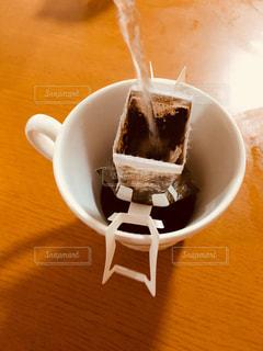 ドリップコーヒーにお湯を注ぐ - No.868667
