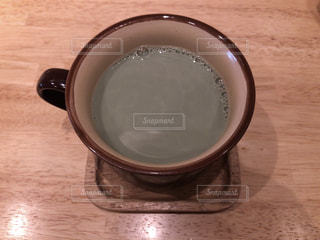 マグカップに入ったよもぎオーレ - No.953712
