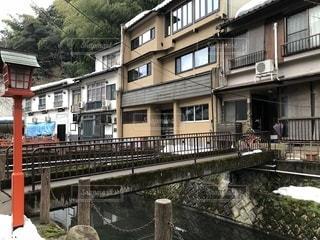 川沿いの建物と橋の写真・画像素材[1025213]