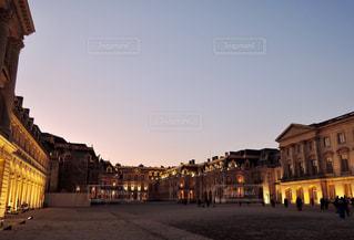 ライトアップされたヴェルサイユ宮殿の写真・画像素材[868176]