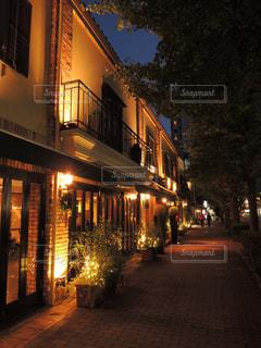 夜の街の景色の写真・画像素材[870495]