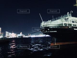 氷川丸とみなとみらいの夜景の写真・画像素材[870651]