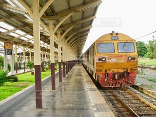 チェンマイ発バンコク行き夜行列車の写真・画像素材[871841]