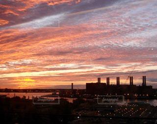 ニューヨーク郊外の朝焼けの写真・画像素材[873410]
