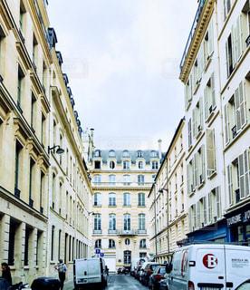 パリの裏道の写真・画像素材[874106]