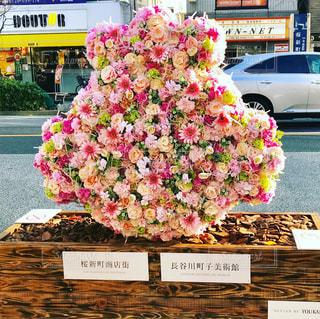 花で飾られたサザエさんの写真・画像素材[908711]