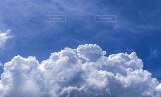 青空の雲の写真・画像素材[2392013]