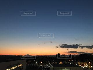 富士山が見える黄昏時の写真・画像素材[996211]