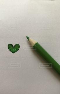 立体ハートと色鉛筆 緑 - No.874461