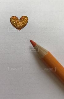立体ハートと色鉛筆 オレンジ - No.874463