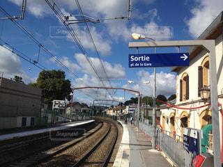 フランスの田舎の駅の写真・画像素材[869387]