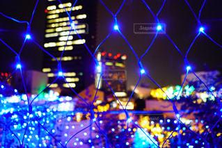 夜のライトアップされた街の写真・画像素材[873601]