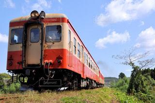 いすみ鉄道 キハ52 ローカル線 ローアングルの写真・画像素材[870817]