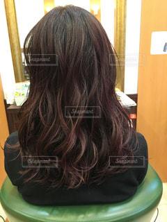 巻き髪ロングヘアの写真・画像素材[1654602]