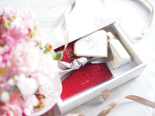 プレゼントのハチミツの写真・画像素材[1007482]