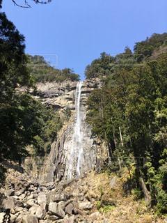 壮大な滝の写真・画像素材[888846]