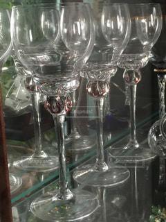 ワイングラスでいっぱいの写真・画像素材[1364907]