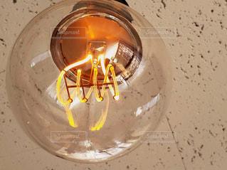 なんともかわいい電球です💡の写真・画像素材[2057070]