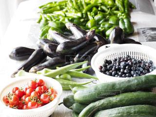 朝採れの野菜たちの写真・画像素材[2396856]