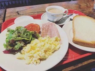 モーニングをカフェで食べませんか?の写真・画像素材[877024]