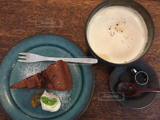 ごぼうショコラとほうじ茶ミルクの写真・画像素材[874559]