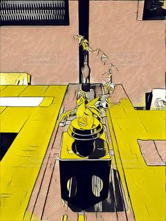 黒と黄色のオブジェクト - No.898177