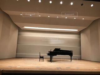コンサート会場のピアノの写真・画像素材[911582]