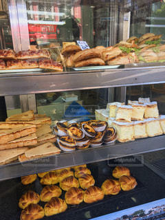 ポルトガルのパン屋の写真・画像素材[876922]