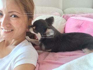 愛犬と私の写真・画像素材[877358]