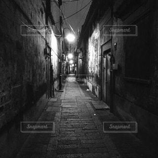 古い路地の写真・画像素材[877774]