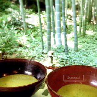 竹林の中でお茶の写真・画像素材[880151]
