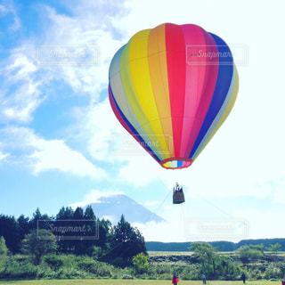 富士山と気球の写真・画像素材[877495]