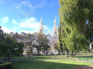 公園と教会の写真・画像素材[877544]